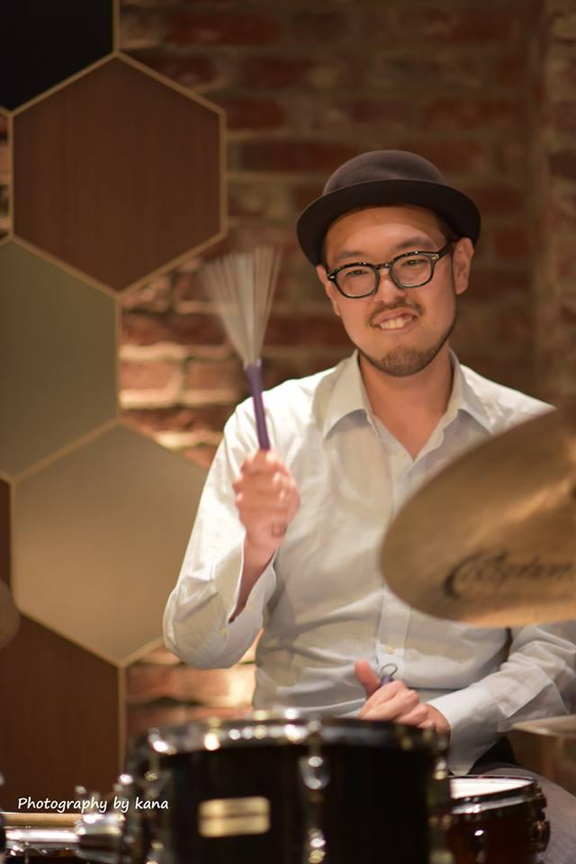 drum演奏ブラシ