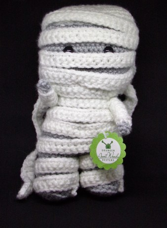 free pattern for crocheted mummy