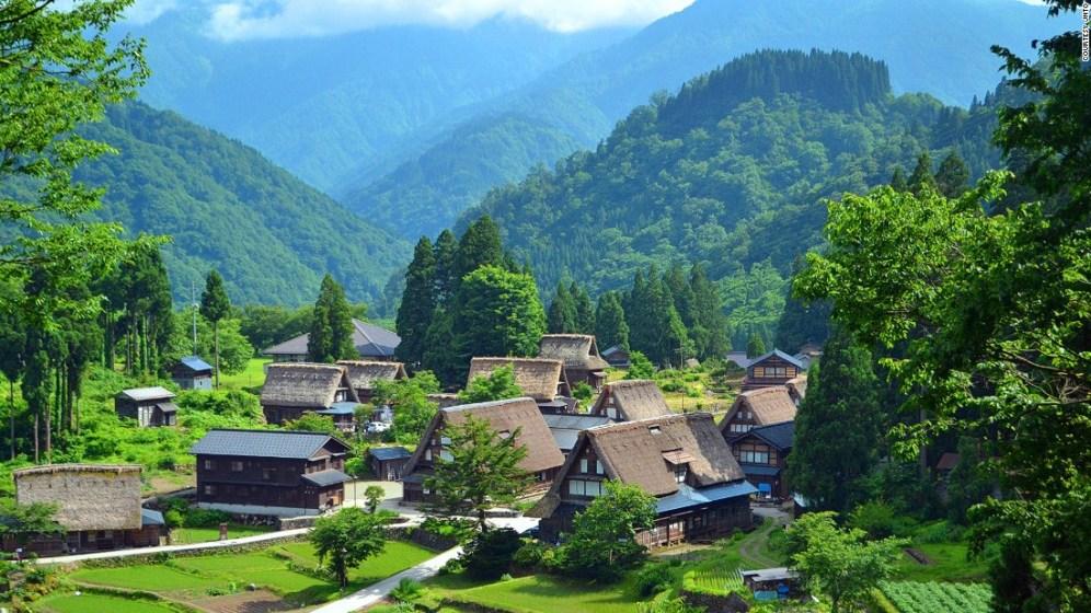 150306144003-beautiful-japan-gokayama-super-169 (1)
