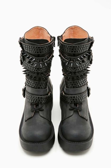 296f9d8f6efa5a0dc7f0e603bf1bebbb--goth-shoes-boot-shop
