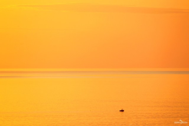 Онежское озеро. Закат. Андома-гора