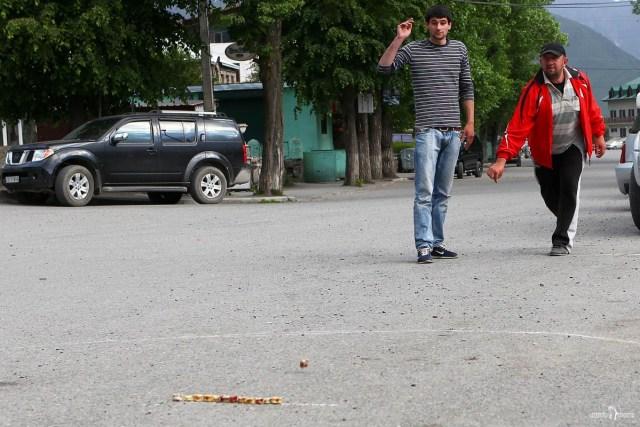 Игра в Грузии в кости «кочаоба»