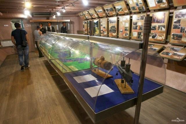 Подводная лодка в Вытегре. Экспозиция музея на нижней палубе