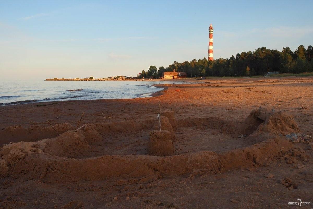 Осиновецкий маяк. Пляж