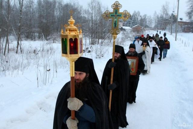 Крестный ход. Антониево-Дымский мужской монастырь