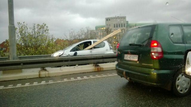 Voldsomme stormskader på en Citroën C1