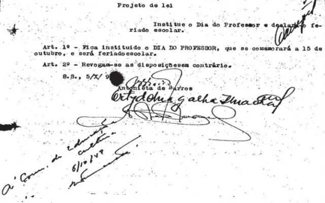 Primeira deputada negra do Brasil criou o Dia do Professor em 1948 - 1