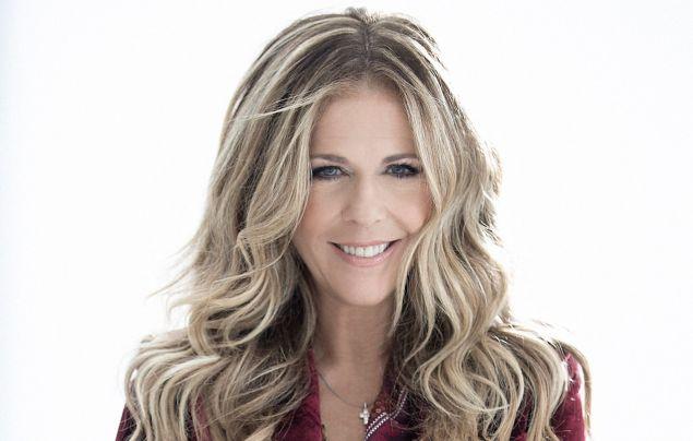 Η Rita Wilson θα τραγουδήσει μπροστά στο ελληνικό κοινό