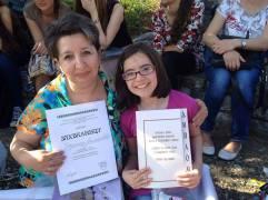 Маша Стаменковић са наставницом Јадранком Милошевић из Лесковца