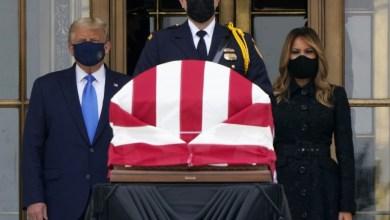 Photo of Abuchean a Trump en velatorio de la jueza Ginsburg