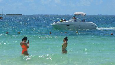 Photo of Continúan playas de Isla Mujeres atrayendo a cientos de visitantes