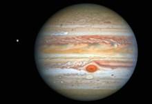Photo of Hubble capta relucientes a Júpiter y su luna Europa