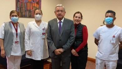 Photo of López Obrador y Beatriz Gutiérrez se vacunan contra la influenza