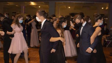 Photo of ¿Bailar de espalda para evitar la Covid-19?