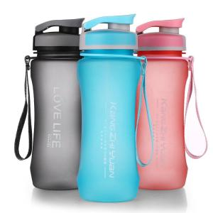 BPA FREE REUSABLE WATER BOTTLES