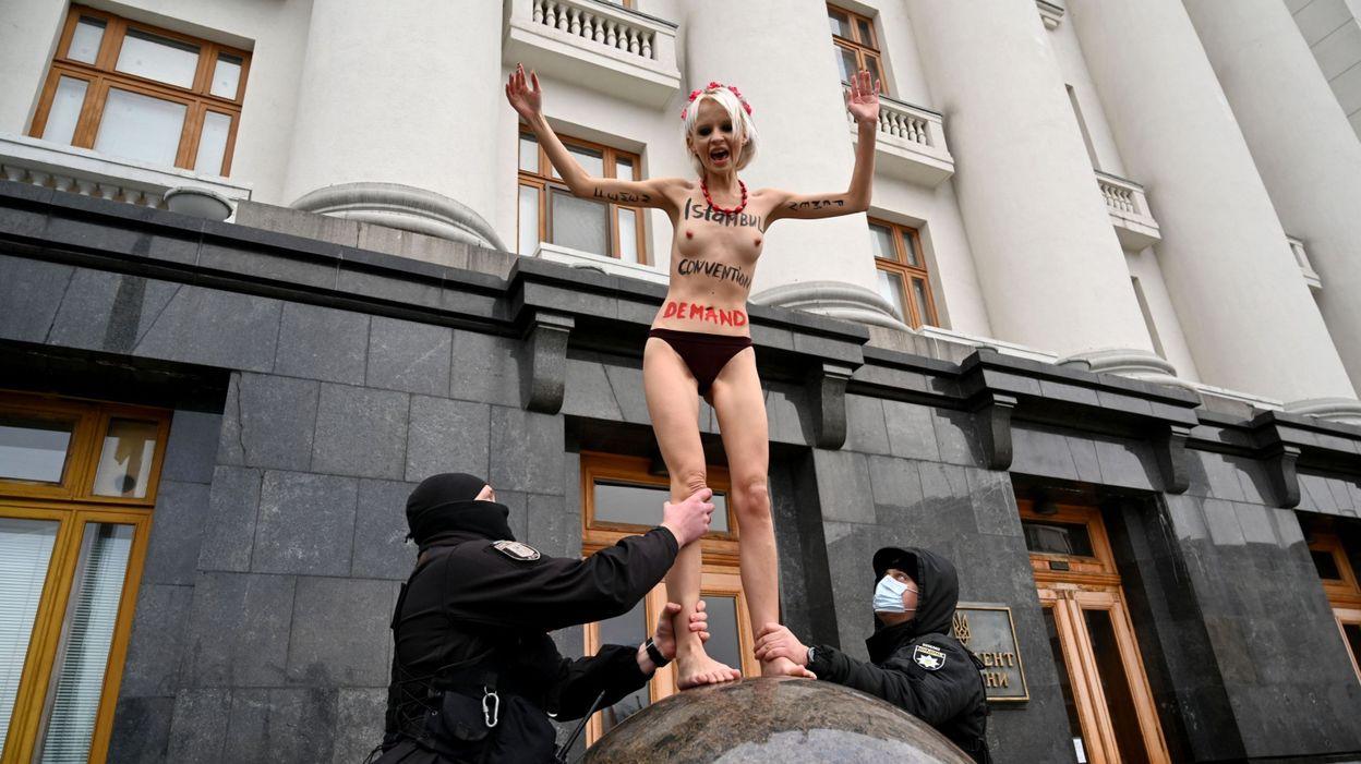 Femen demonstrate in Ukraine to protest against this violence | En24 World