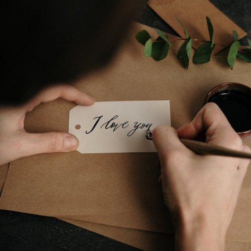 Ldr An Sama Pacar Berikan 10 Rekomendasi Kado Untuk Pacar Yang Antimainstream Agar Makin Romantis 2020