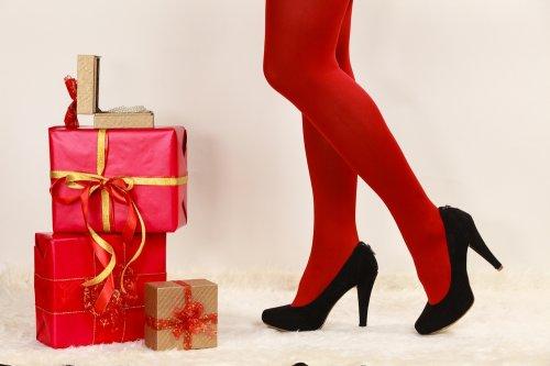 レディースブランドタイツ人気ランキング2021!ヴィヴィアンなどが女性へのプレゼントにおすすめ! | ベストプレゼントガイド