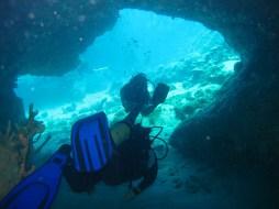 grotte fer à cheval baie du diamant- DSC club de plongée