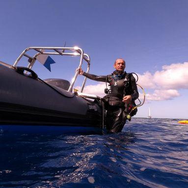 Romuald moniteur plongée au diamant-rocher du Diamant- DSC plongée club de plongée du Diamant