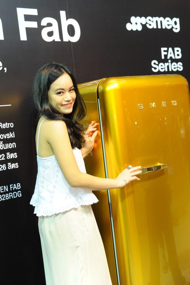 24.มิ้งค์ -ณัฏฐิ์ประภา ชุณหะวัณ ชื่นชอบตู้เย็น The Golden FABสีทองหรูหรา