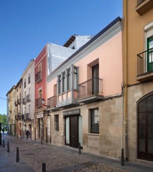Pilgrim-Hostel-by-Sergio-Rojo_dezeen_18