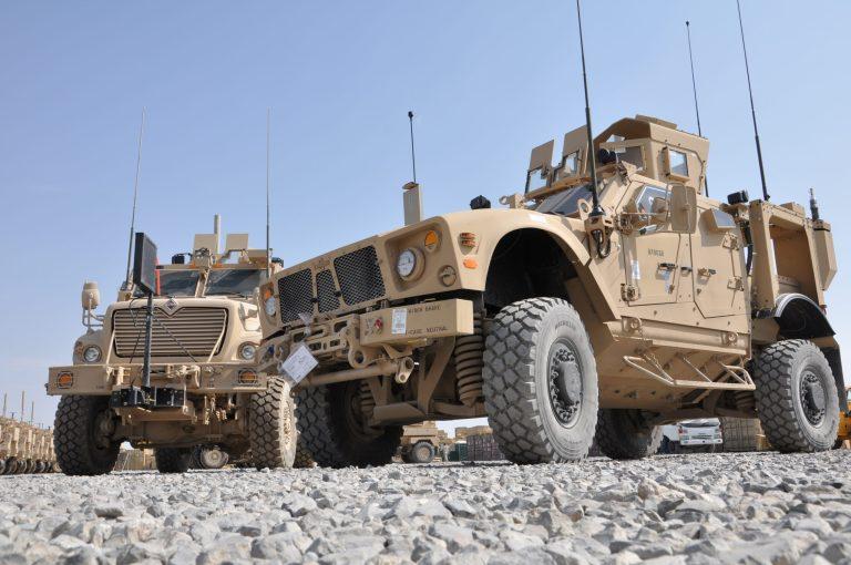 """איחוד האמרויות רכשו מארה""""ב 4,569 MRAP רכבים מוגנים בושוי 556 מיליון דולר US_Army_M-ATV_and_MRAP_MaxxPro_Dash_in_Afghanistan-scaled"""