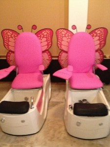 3 Nail Salons For A Mommy & Me Mani in Des Moines – dsm4kids.com