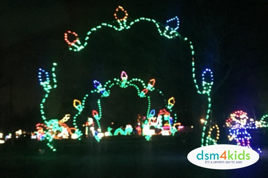 2018: Guide to Holiday & Christmas Light Displays in Des Moines ...