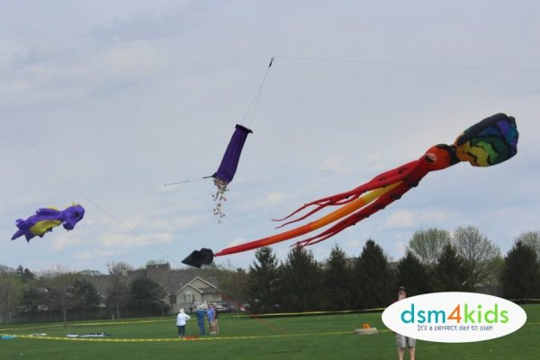 High Flying Family Fun at Kites on the Green in Johnston – dsm4kids.com