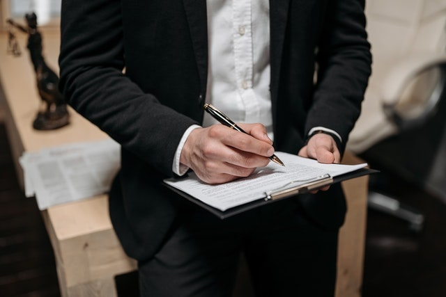 Lawyer Draft and Negotiate Contracts