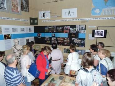 Під час екскурсії у кімнаті-музеї Бруно Шульца