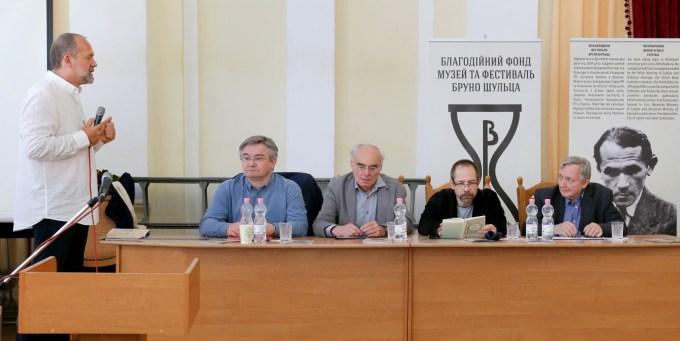 Зліва направо: Міхал Павел Марковський, Станіслав Росєк, Марек Томашевський, Пшемислав Чаплінський, Єжи Яжембський
