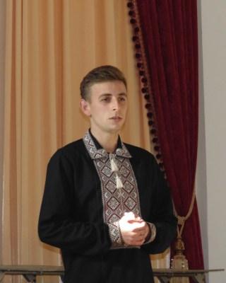 Співає Ігор Лішкович