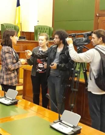 Богдана Кошняну дає інтерв'ю одеському телебаченню