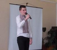 Читає вірш Богдан Паньків