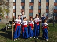 Учні школи бойового гопака
