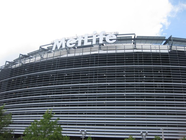 MetLife Stadium New York Giants Jets events tickets parking hotels seating food