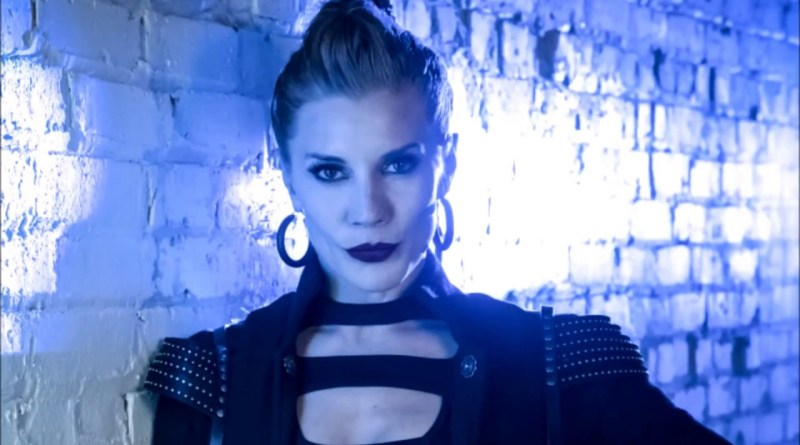 Amunet, Katee Sackhoff, Danielle Panabaker, Grant Gustin, The Flash, The Flash review, Girls Night Out, DT2ComicsChat, David Taylor II