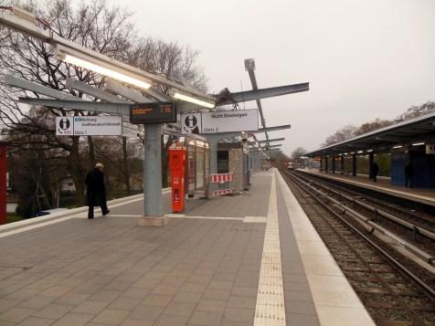 Dieses Bild wird dem Fahrgast geboten, wenn er den Bahnsteig erreicht.