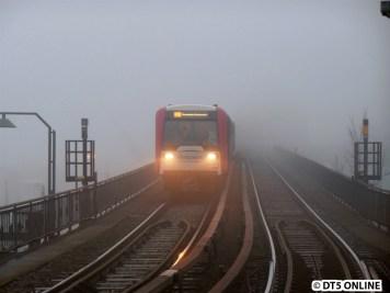 DT3 849 erreicht nun den Bahnhof Baumwall