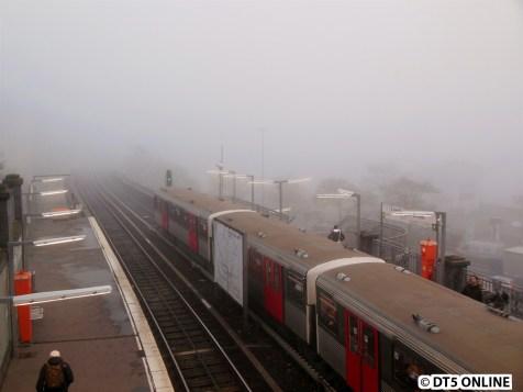 Mehr als der Bahnhof ist nicht zu sehen.