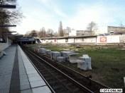 Bahnsteigkanten sind weiterhin übrig.