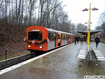 """Buckhorn, in dieser Richtung zog 768. Danke an einen unserer beiden """"Hauptfahrer"""" für das Einstellen verschiedener Ziele, hier """"U1 Fuhlsbüttel Nord"""""""