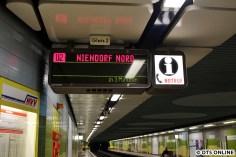 Hier wurden nur kleine Gleisnummern-Schilder verwendet, sie sind einzigartig