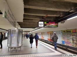 Bauzustand Mitte März: Vom Eingang Hauptbahnhof aus gesehen: Erste Deckenverkleidung entfernt