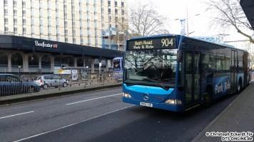 Auch Citaros sind in Bristol anzutreffen. Die Firma ct plus fährt mit Gelenkbussen den Großteil der park+ride Linien. Für deutsche Verhältnisse ungewöhnlich ist das Rollband.