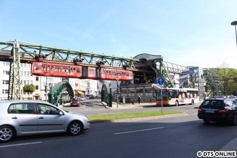 Die Haltestelle Werther Brücke wurde teuer nach Originalplänen wiederhergestellt.