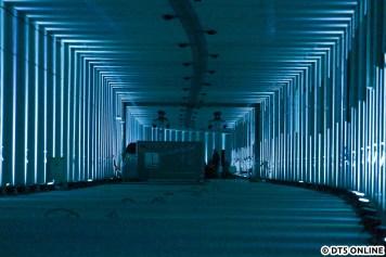 In etwa der Mitte der Strecke waren Stühle aufgebaut, auf denen man sich das 360°-Video der Haltestelle Elbbrücken ansehen könnte