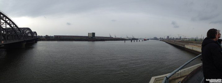 Panorama: Ein Blick auf die Elbe